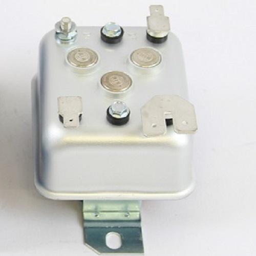 Bosch Laderegler Gleichstromlichtmaschine  F026T02200 14V 11A Oldtimer
